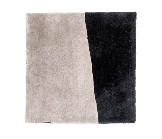 Clash silver grey & pure black by kymo | Rugs