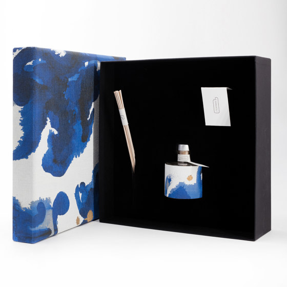 Delft Blue | Premium Melograno by IWISHYOU | Spa scents