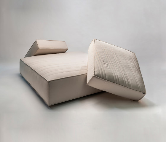 Stack Sofa by La manufacture   Seating islands