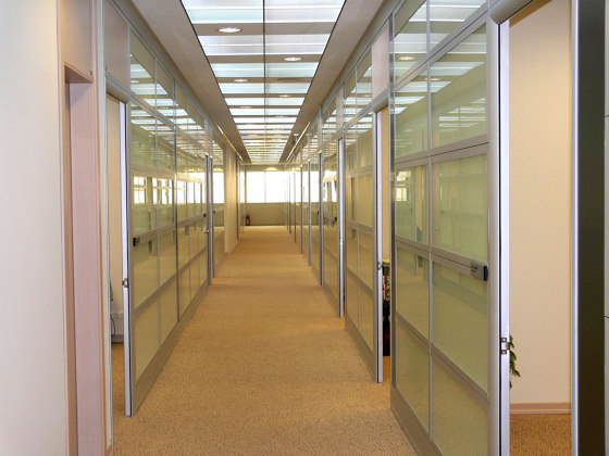 Smartia | P100 by ALUMIL | Wall partition systems