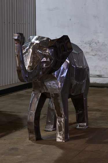 Sculptures | Baby elephant by Punto Design | Garden accessories