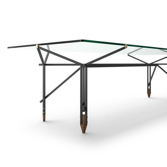Olimpino by Cassina   Dining tables