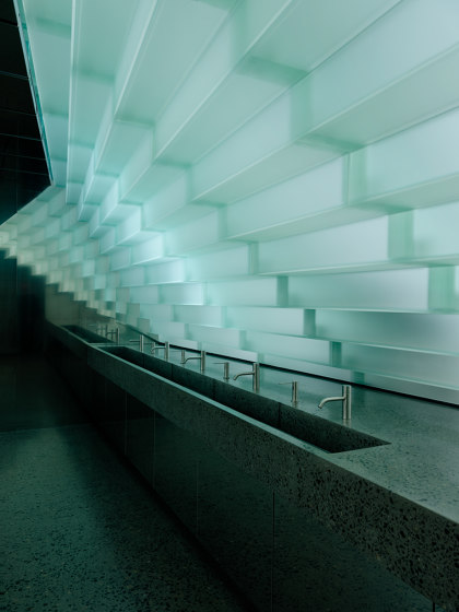 Glass Fan by Siller Treppen | Staircase systems
