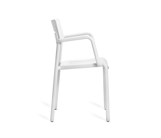 Outo | Armchair by TOOU | Chairs