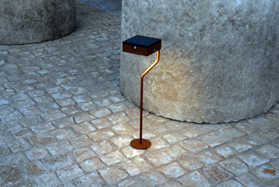 SOLAR pathway light | TEE round base by LYX Luminaires | Outdoor floor-mounted lights