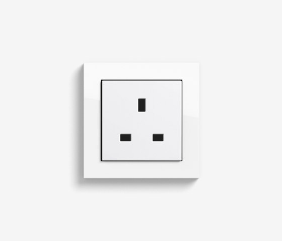 E2 British Standard | Socket outlet Pure white glossy by Gira | British sockets