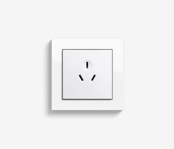 E2 CH, EURO-US | Socket outlet Pure white glossy by Gira | Chinese sockets