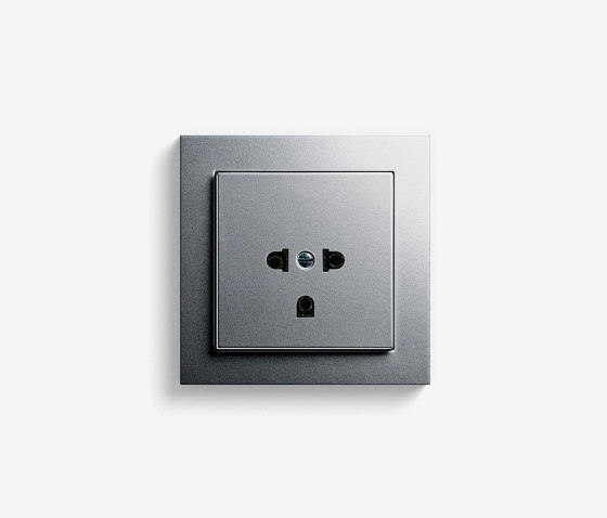 E2 EURO-US | Socket outlet Colour aluminium by Gira | EURO-US sockets
