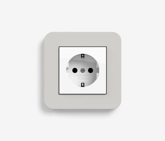 E3 | Socket outlet Light grey with white by Gira | Schuko sockets