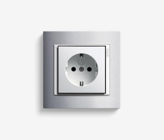 Event   Socket outlet Colour aluminium by Gira   Schuko sockets
