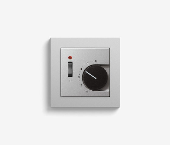 Heating and Temperature | Room temperature controller with NC contact | 1-way switch and control light, colour aluminium (including E2) by Gira | Heating / Air-conditioning controls