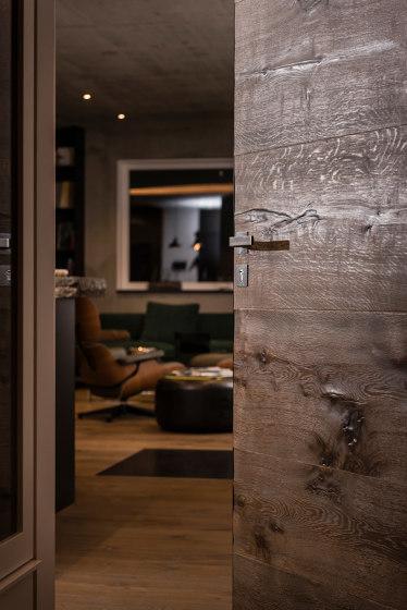 Modern Doors frameless doors FLAT parquet flooring by ComTür | Internal doors