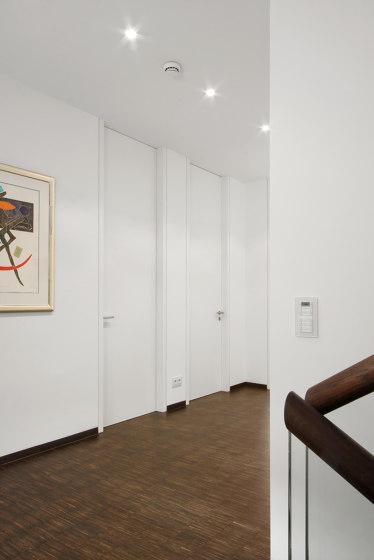 Modern Doors floor to ceiling INTRA UZ signal white by ComTür | Internal doors