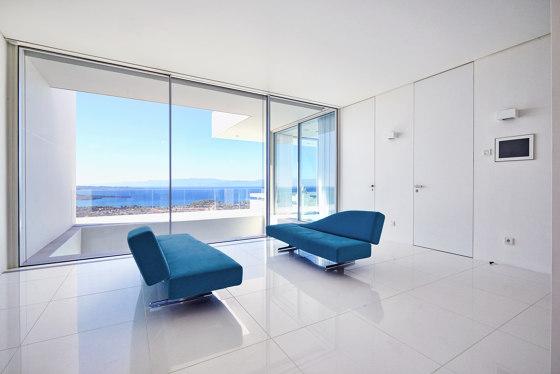 Modern Doors floor to ceiling FLAT traffic white by ComTür | Internal doors