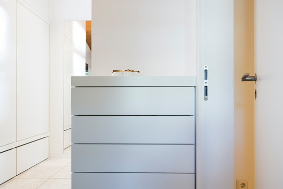 Modern Doors flush fitting INTRA UZ traffic white by ComTür | Internal doors