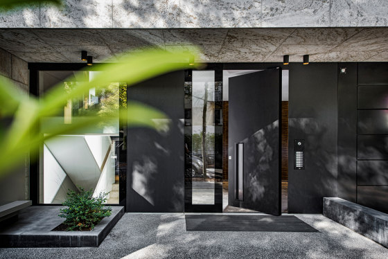 Modern front doors pivot doors CIRCUM by ComTür | Entrance doors