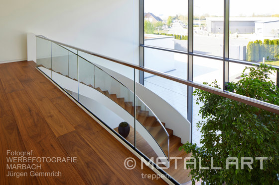 Exclusive spiral staircase in a private residence in Lampertheim by MetallArt Treppen | Staircase systems