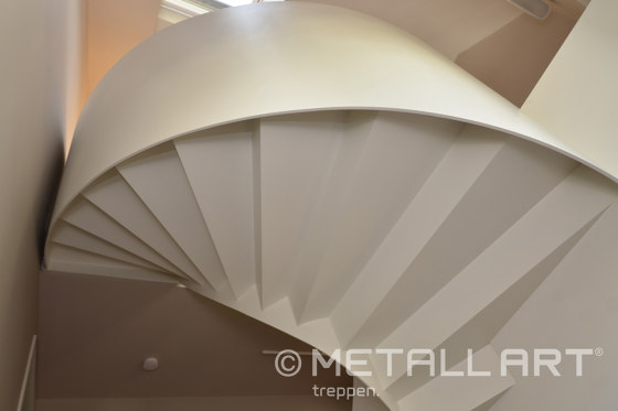 Modern folded stairs in a private home in Wiesbaden by MetallArt Treppen | Staircase systems