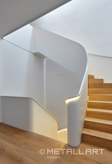 Folded stairs with flamboyant floor plan in a private residence in Hamburg by MetallArt Treppen | Staircase systems