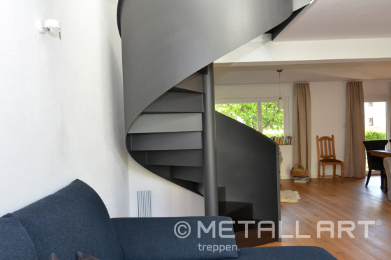 Stylish newel stairs for a private residence by MetallArt Treppen | Staircase systems