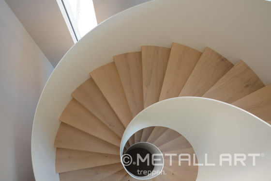 Classy staircase sculpture in a private residence at the Lake Constance by MetallArt Treppen | Staircase systems