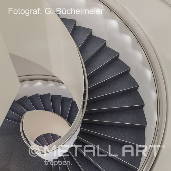 LED handrail lighting as a design element by MetallArt Treppen | Staircase systems