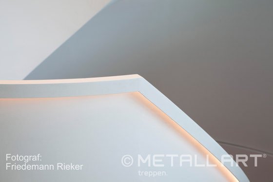 Spiral stairs in timeless design in a Munich office building by MetallArt Treppen | Staircase systems