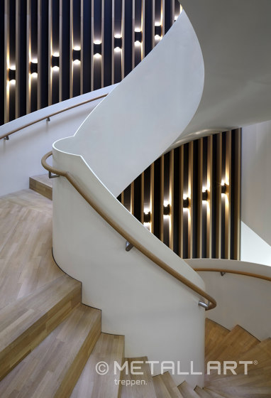 Aesthetically curved spiral staircase at the Hamburg Herz Foundation by MetallArt Treppen | Staircase systems