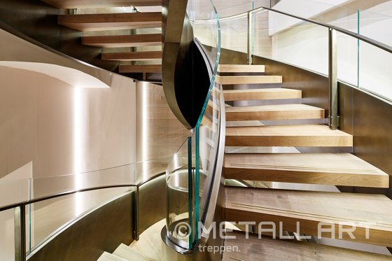 Impressing steel stairs at the Vienna Max Mara store by MetallArt Treppen | Staircase systems