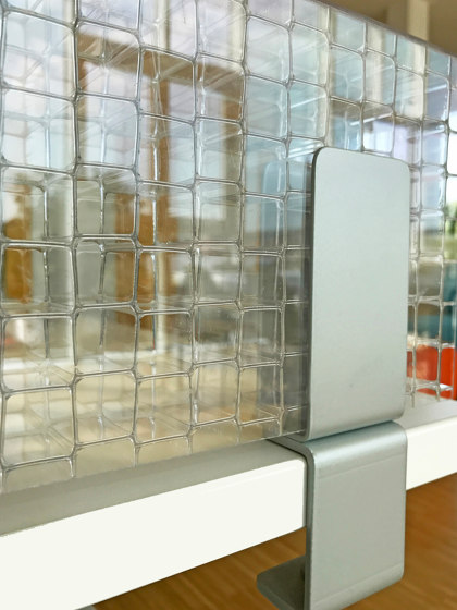 Lightscreen   Table by objectiv   Table accessories