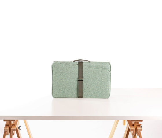VLINDER acoustic flexscreen, wool felt green by StudioVIX | Table accessories