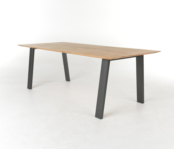 Wik by Bert Plantagie | Dining tables