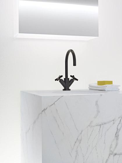 Tara. - Waschtisch-Einlochbatterie mit Ablaufgarnitur - schwarz matt von Dornbracht   Waschtischarmaturen