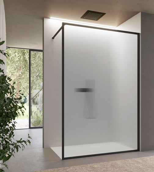 Brave 6 by Ideagroup | Shower screens