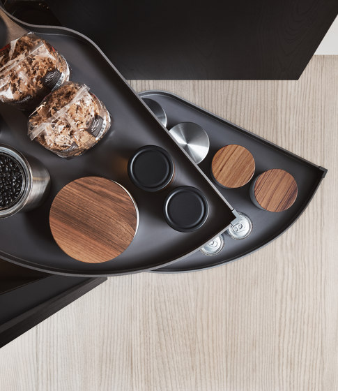Thea, Show and Wet Kitchen by Arclinea | Kitchen organization