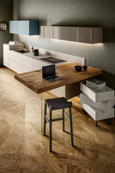 Home Office 1098 - Space-saving ideas for Kitchen - 36e8 Kitchen by LAGO   Fitted kitchens