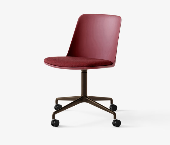 Rely HW22 Bronzed w. Red Brown & Canvas 576 by &TRADITION   Chairs