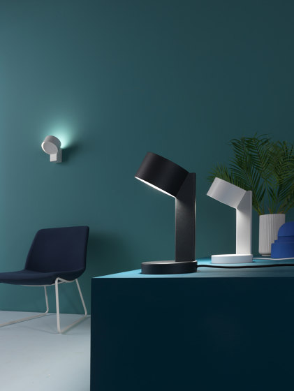 Rei | Table by Zava Srl | Table lights