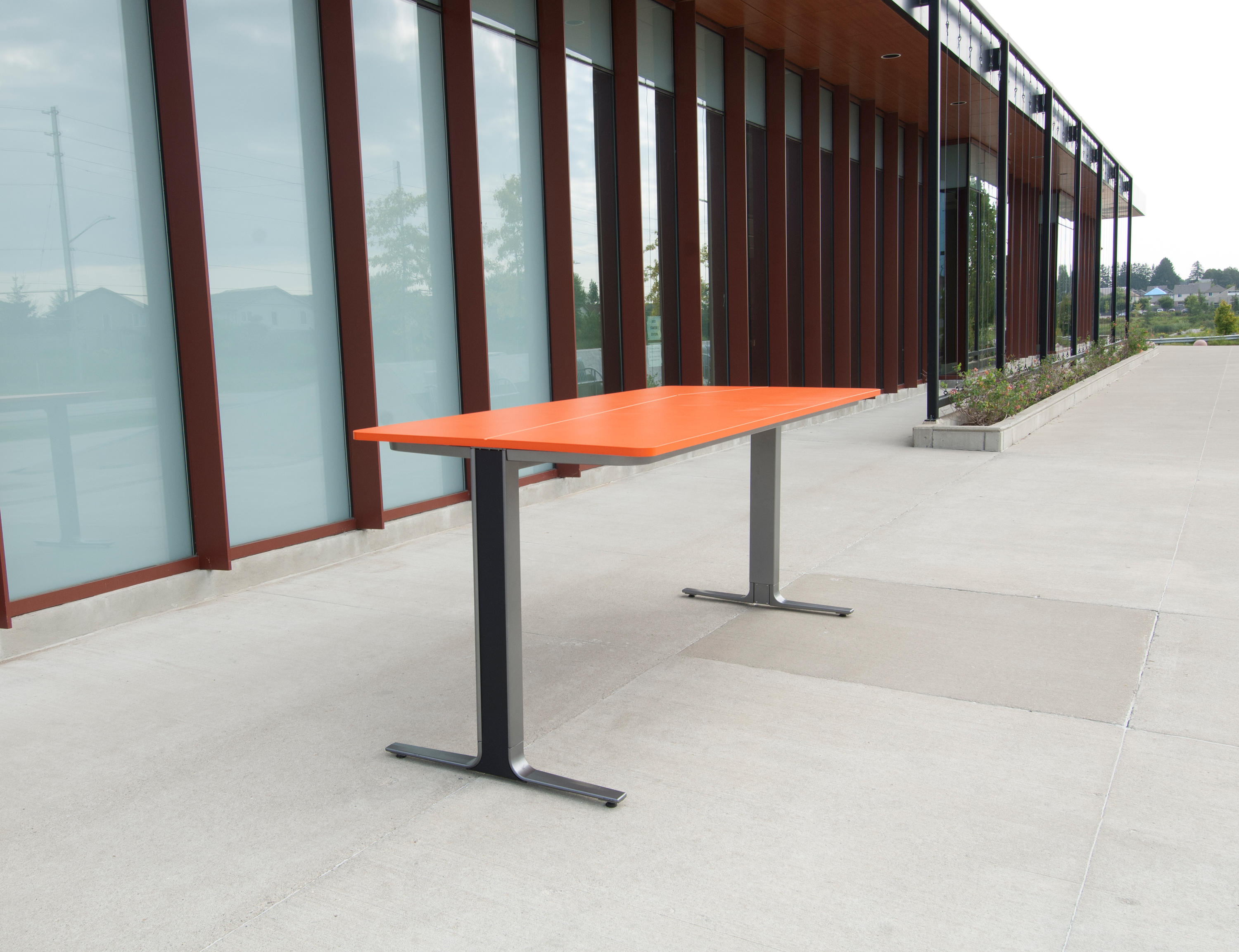 Picture of: Actb2100 Bh 8 Por P1 Fs Bar Height Table Architonic