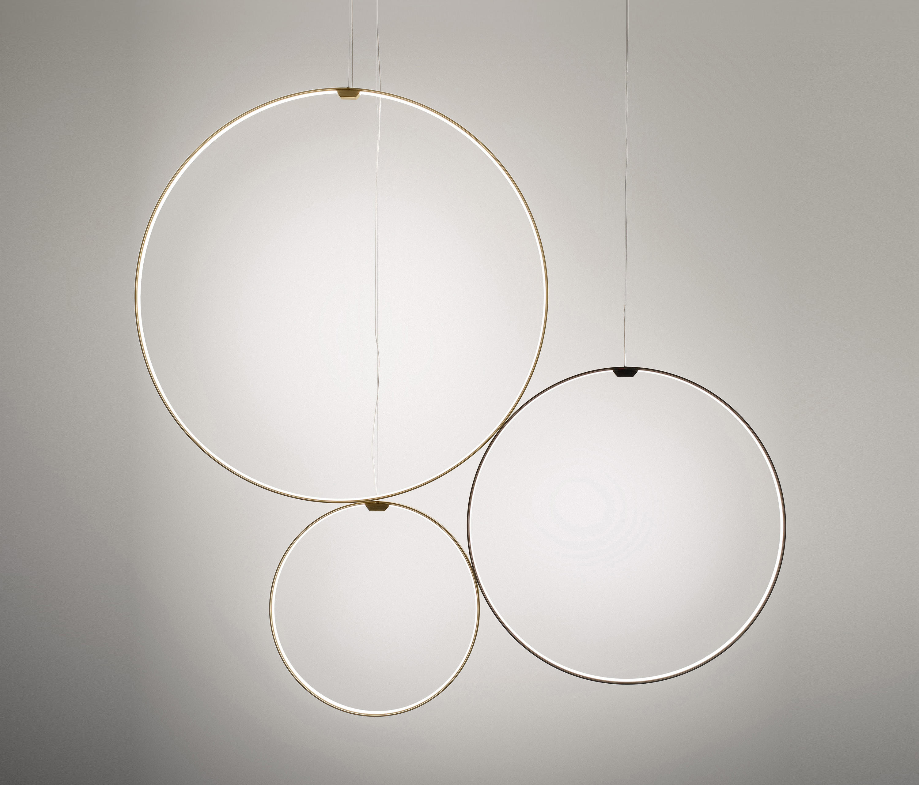 Zero Round Vertical Suspended Lights From Panzeri Architonic