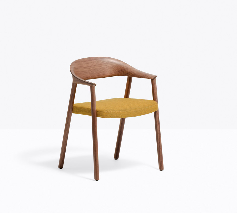 'Lightness is the future': the new Héra armchair from Pedrali | News