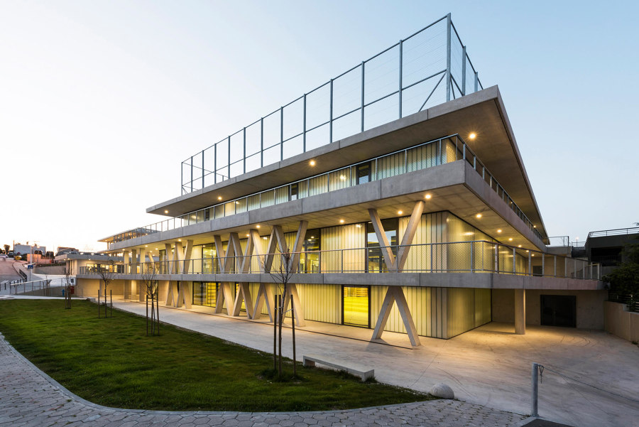 Flying colours: chromatic school spaces | News